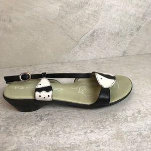 Hispanitas Fish Sandals